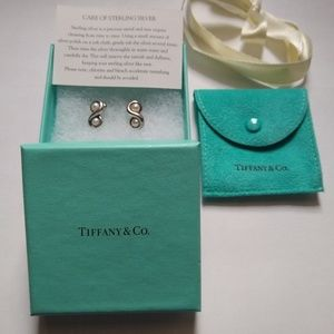 Authentic Tiffany & Co. Vintage SS Pearl Earrings